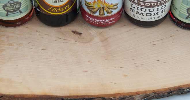 Liquid Smoke auf Holz